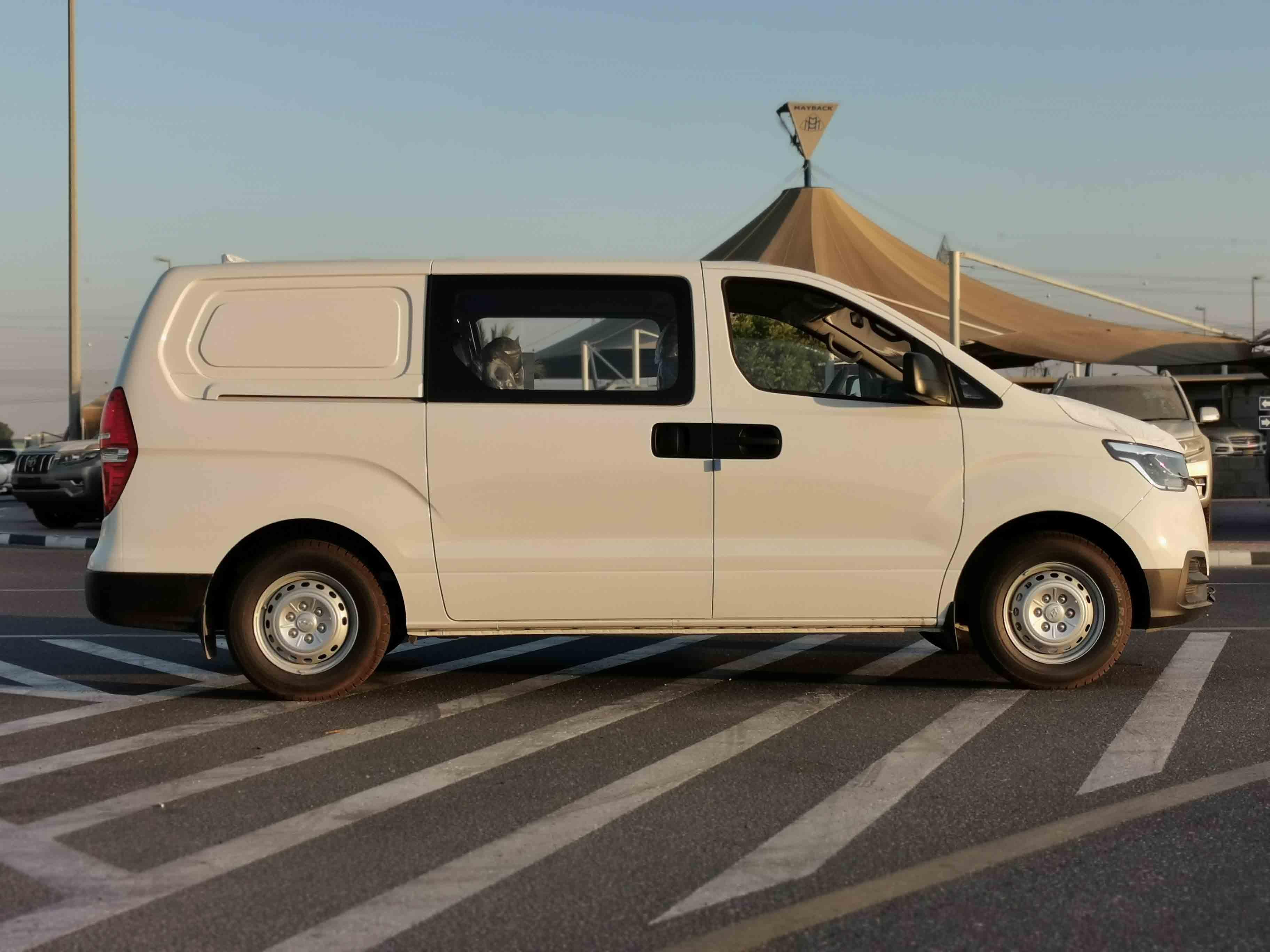 new hyundai h1 rwd van 2021 2.4l in dubai for sale for